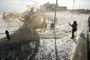 عکس/ طوفان کف در آفریقای جنوبی