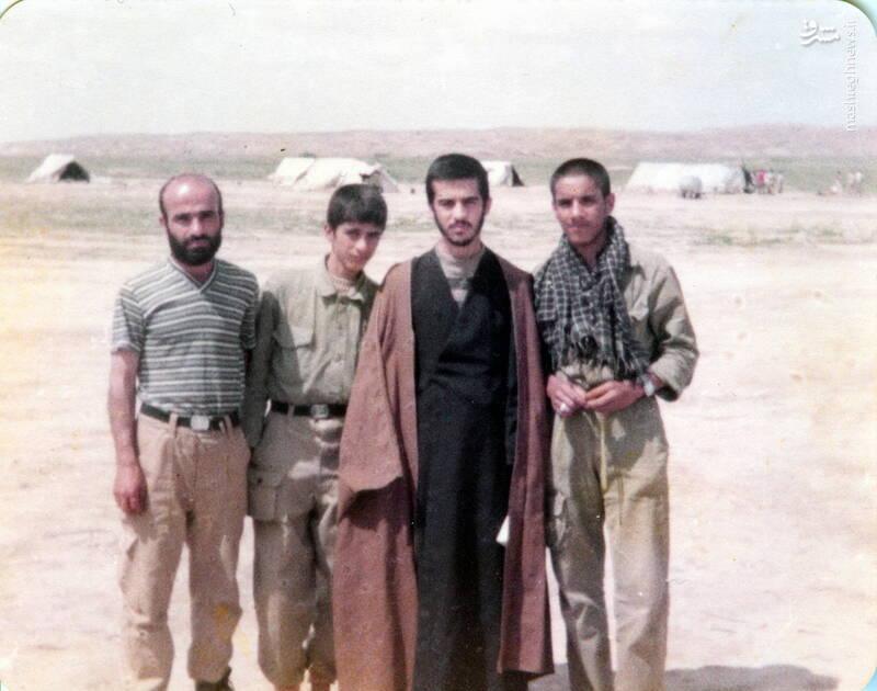 شهید داوود بصائری(نفر دوم از چپ)