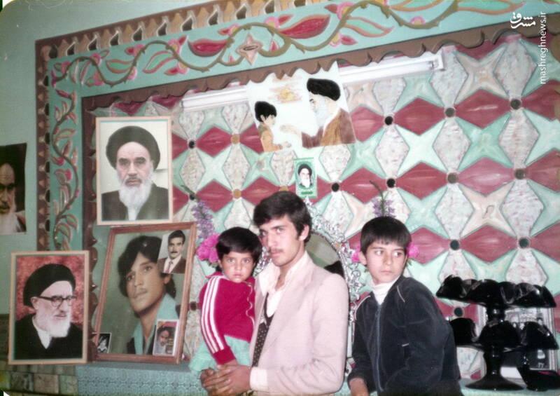 شهید داوود بصائری(نفر سمت راست)