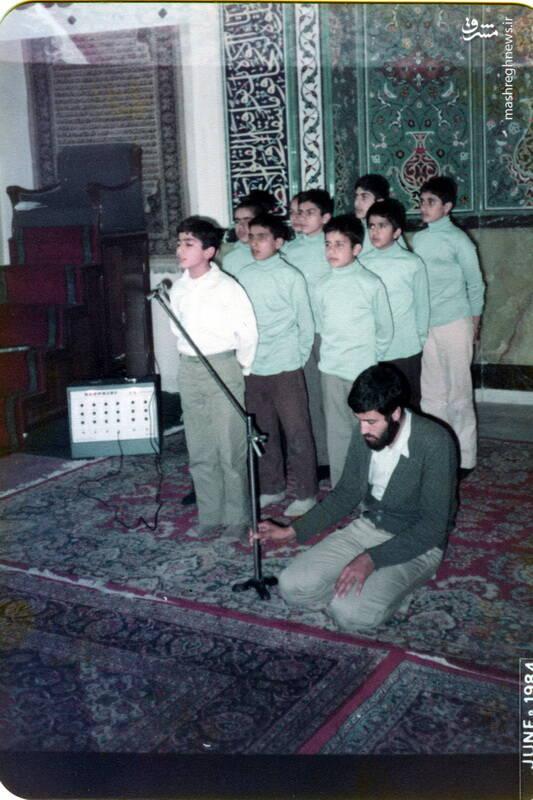 شهید داوود بصائری(نفر اول با لباس سفید)
