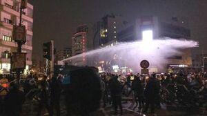 فیلم/ استفاده از ماشین آبپاش علیه مخالفان نتانیاهو