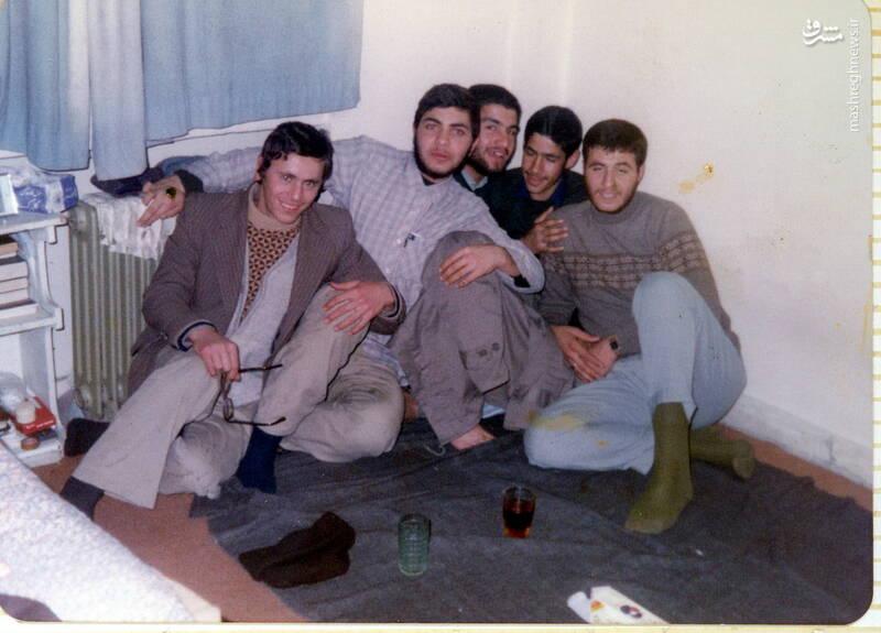 شهید علی بلورچی(نفر دوم از چپ)