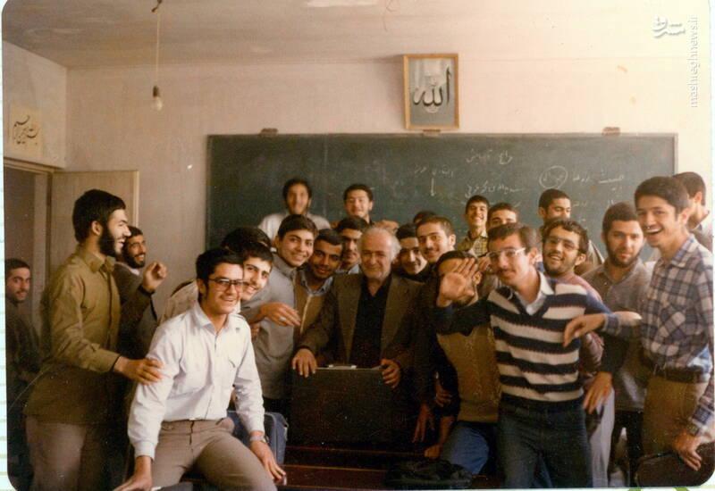 شهید علی بلورچی(مدرسه مفید)