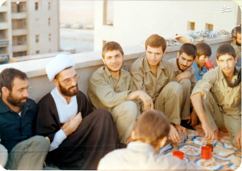شهید علی بلورچی(نفر سوم از چپ)