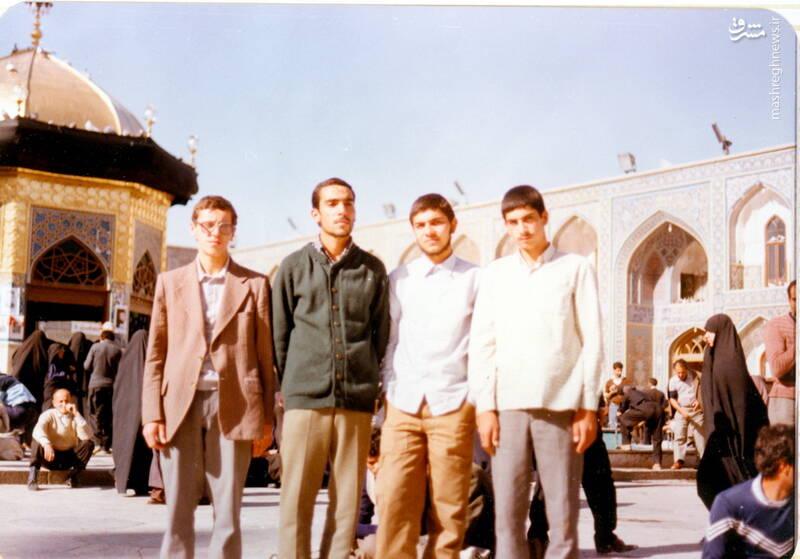 شهید علی بلورچی(نفر دوم از راست)