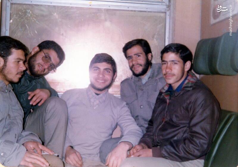 شهید علی بلورچی(نفر وسط)