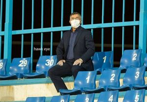 عکس/ حضور آقا معلم کرونایی در ورزشگاه