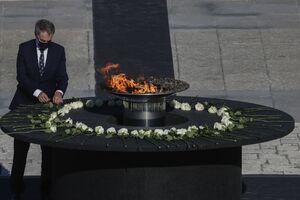 ادای احترام به قربانیان کرونا در اسپانیا