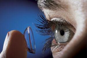 بهتر است در شرایط کرونا از لنز طبی استفاده نشود/ افراد بدون ترس از کرونا  عملهای لیزر چشم را انجام دهند