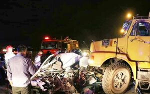تصادف مرگبار پیکان با کامیون