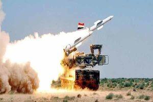 پدافند هوایی سوریه با اهداف متخاصم در آسمان دمشق مقابله کرد