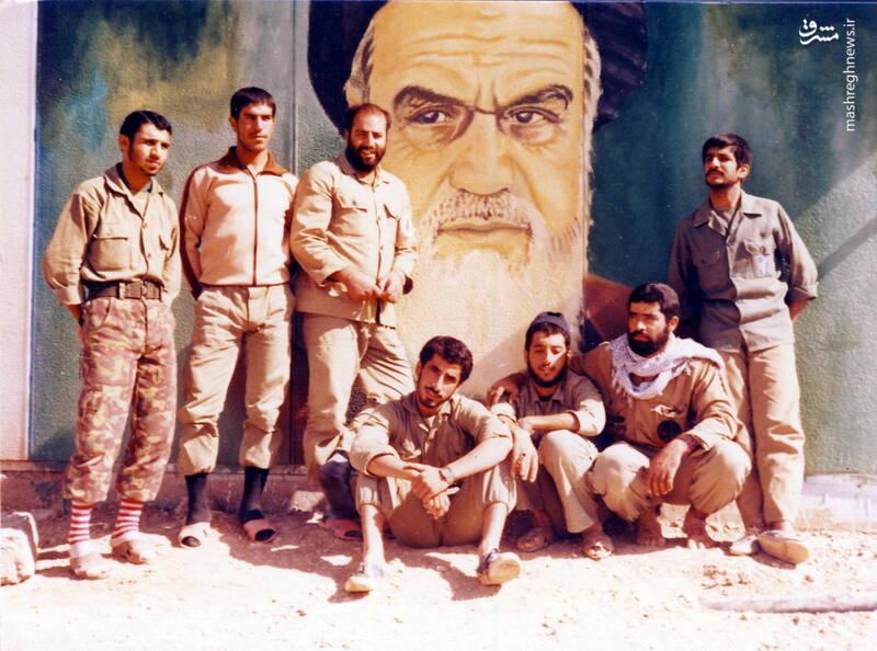 شهید محمدحسین ملکمحمدی(نفر سوم از چپ)