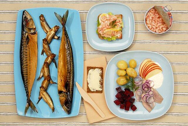 غذایتان را با دیگران به اشتراک بگذارید نه تصویر آن را! +عکس