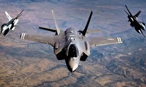 مزاحمت جنگندههای آمریکایی برای هواپیمای مسافری ایران/ چند مسافر مجروح شدند/ تکذیب شایعات درباره حضور شخصیت نظامی در پرواز ماهان