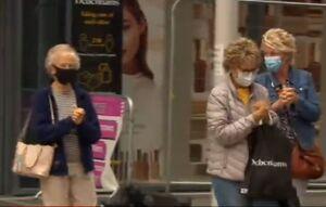 استفاده از ماسک در فروشگاهها در انگلیس اجباری شد