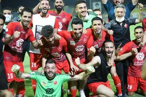 عکس/شادی پرسپولیسیها پس از چهارمین قهرمانی متوالی