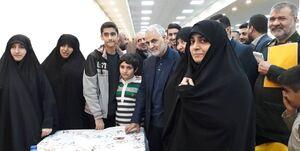 تنها خواسته همسر شهید از مقام معظم رهبری/دعای حاج قاسم دلم را قرص کرد
