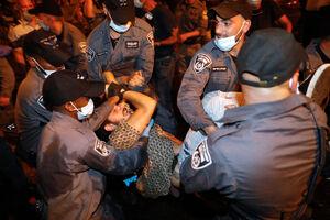هرج و مرج در رژیم اشغالگر قدس/ از درگیری حامیان و مخالفان نتانیاهو تا سرکوب وحشیانه معترضان توسط پلیس ضدشورش + فیلم و عکس