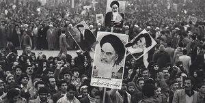 انقلاب، محور دو کتاب استاد حسن معمار