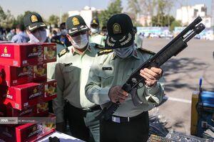 عکس/ دستگیری سارقان و فروشندگان مواد مخدر