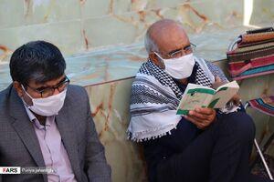 عکس/ مراسم عرفه در جوار دو شهید گمنام زاهدان