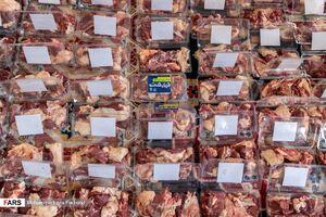 عکس/  توزیع ۱.۵ تُن گوشت قربانی در شیراز