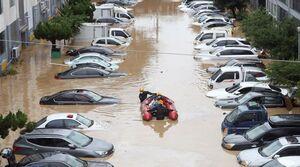 عکس/ خودروهای غرق شده در سیل