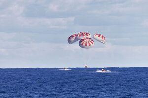 عکس/ بازگشت موفقیت آمیز فضانوردان ناسا