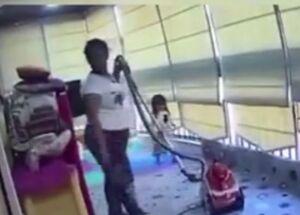 فیلم/ محافظت مربی مهدکودک از دختر بچه در لحظه انفجار بیروت