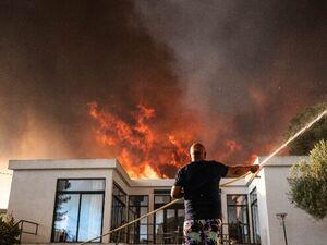آتشسوزی جنگل در فرانسه حداقل ۲۲ زخمی بر جا گذاشت +عکس