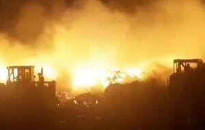 آتشسوزی گسترده در یکی از دامداریهای فشافویه +فیلم