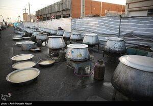 عکس/ طبخ و توزیع ۱۱۰ دیگ غذا در قزوین