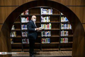 عکس/ متروی ایستگاه ولیعصر دارای کتابخانه شد