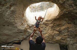 عکس/ زندگی خانواده فلسطینی در دل کوه