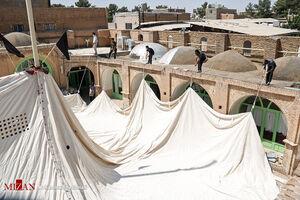 عکس/ آیین سنتی چادرکشی حسینیه قنادها