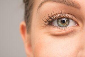 پف چشم بعد از گریه را با راهکارهای آسان درمان کنید