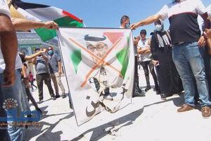 آتش زدن تصویر ولیعهد ابوظبی در فلسطین