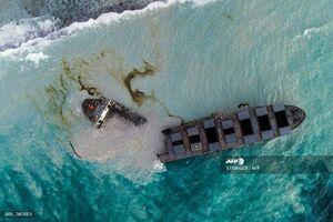 عکس/ دو تکه شدن نفت کش عظیم ژاپنی