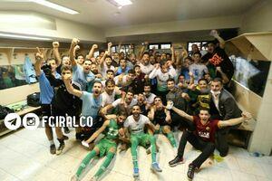 عکس/ جشن صعود بازیکنان آلومینیوم اراک