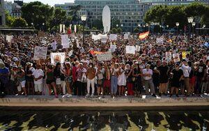 """عکس/ تظاهرات """"نه به ماسک"""" در مادرید"""
