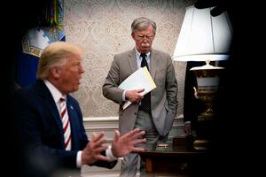 کتاب جان بولتون؛ فرصت طلایی بولتون برای جنگ با ایران چگونه از دست رفت/ آیا ترامپ واقعاً به خاطر «۱۵۰ نفر تلفات» عملیات انتقام گلوبالهاوک را لغو کرد؟ +عکس و فیلم