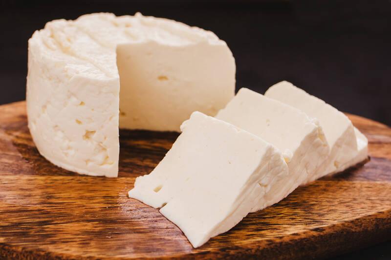 ۵ دلیل اهمیت مصرف پنیر در وعده صبحانه