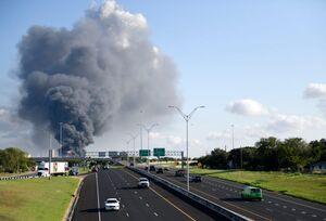 عکس/ ۱۰ زخمی و ناپدید در انفجار تگزاس