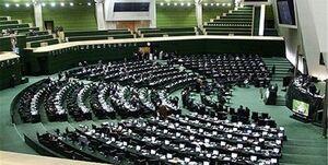 نمایندهای که با موتور به حوزه انتخاباتی خود سرکشی میکرد +عکس