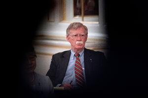 اعتراف بولتون به «ناکامی ترامپ در بازگرداندن تحریمهای ایران»