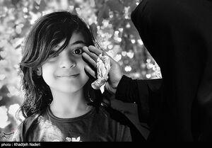 عکس/ ویانا فرزند مدافعین سلامت در آغوش خاک