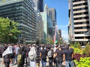 فیلم/ اهتزاز پرچم امام حسین (ع) در نیویورک