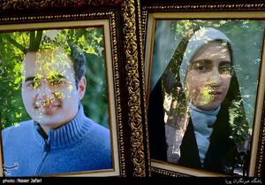 عکس/ نوحهخوانی مقابل منزل شهدای هواپیمای اوکراینی
