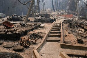 عکس/آتش سوزی کالیفرنیا جان ۷نفر را گرفت