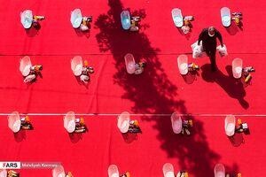 عکس/ همدردی هیأتیها با نیازمندان
